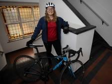 Eindhovense Simone weer op de fiets naar Den Haag voor een beter klimaat