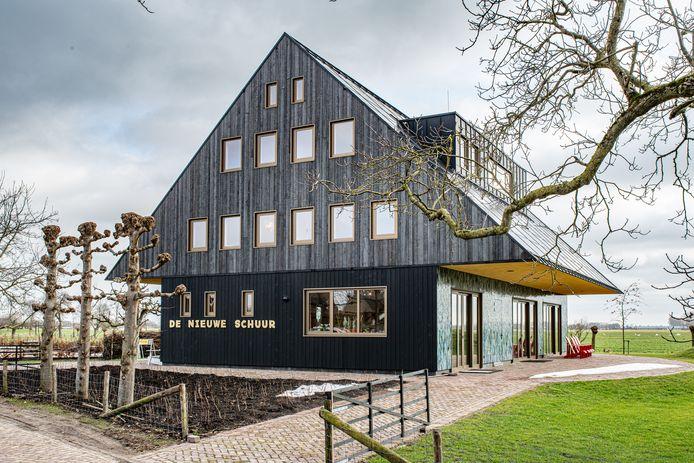 De Nieuwe Schuur in Herpt, stembureau bij de verkiezingen op 17 maart.