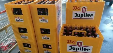 """""""Seulement 10 euros pour un bac de Jupiler (33cl) et des accessoires pour l'Euro gratuits"""""""