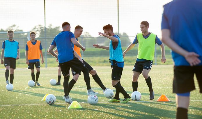 OSS'20 trapte gisteren al het nieuwe voetbalseizoen af.