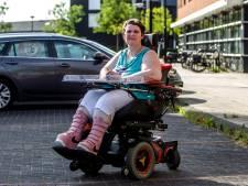 Chauffeur dumpt Karin uit Deventer, taxi-centrale gelooft verhaal niet