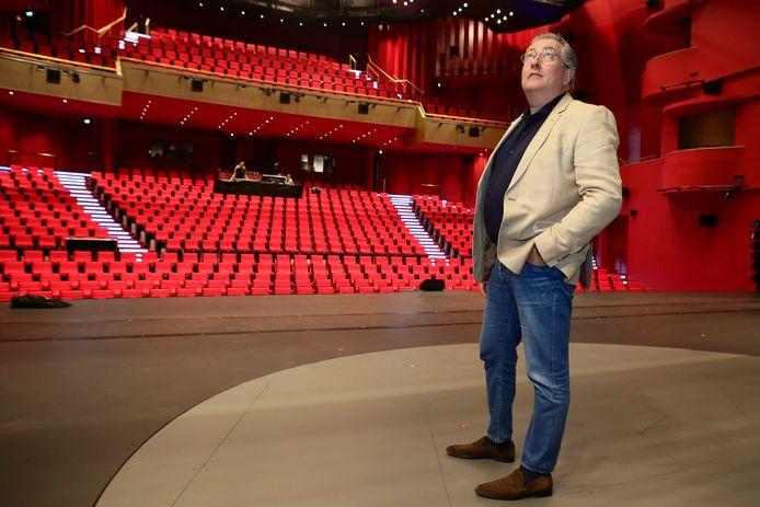 Herman Zondag op het podium waar zaterdag '14 de musical' losbarst.