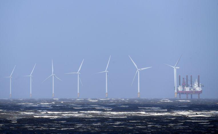 Een windpark voor de kust van Groot-Brittannië, waar ook BP in heeft geïnvesteerd.  Beeld AFP