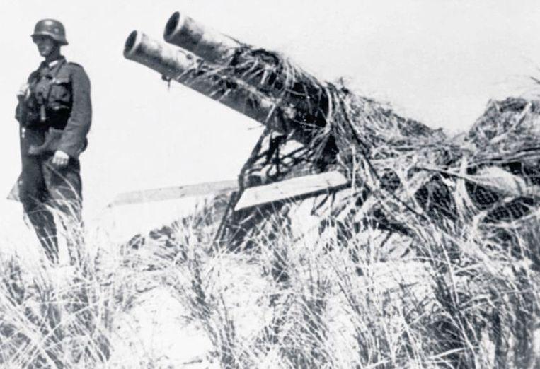 Dubbelkanon bij De Hors op Texel, heroverd op de Georgiërs in 1945. Beeld www.derussenoorlog.nl
