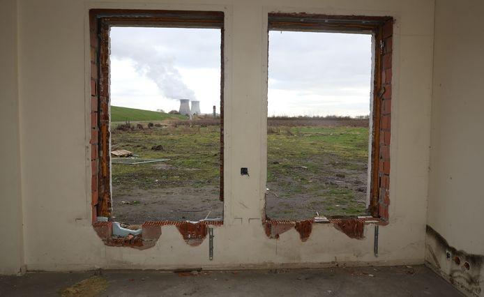 De Hedwigepolder een jaar geleden toen de sloop van boerderijen in volle gang was.