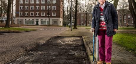 Weduwe over uitgebrande auto: 'Ze hebben me mijn benen afgenomen'