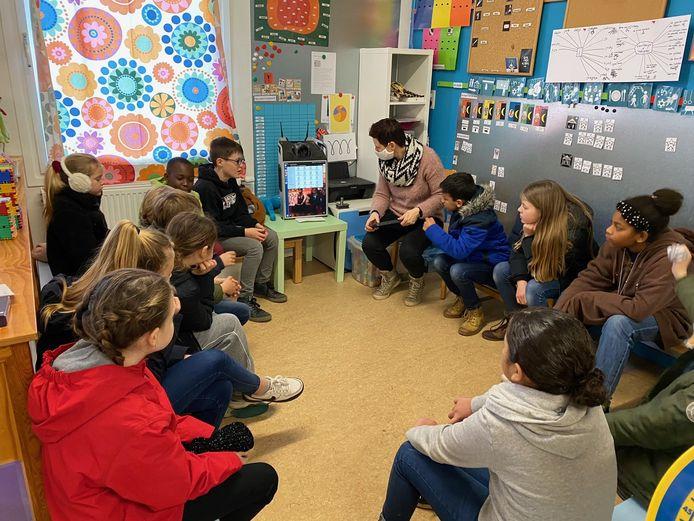 De kinderschoolraad maakte kennis met de werking van Bednet.