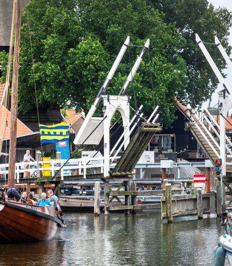 Rottende ophaalbrug Harderwijk houdt ook politici bezig: 'Nieuwe brug graag in zelfde stijl'