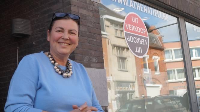"""Katrien (58) stopt met damesboetiek Athena: """"Trots op wat ik opgebouwd heb, maar na 31 jaar is het tijd voor wat rust"""""""