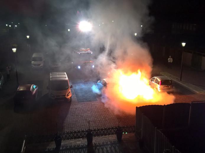 Autobrand op Mariahof in Culemborg.