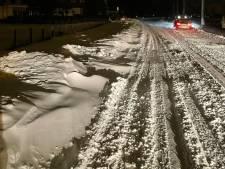 Wegen slecht begaanbaar, auto's vast door sneeuwduinen: ga vanochtend niet de weg op, waarschuwt Rijkswaterstaat