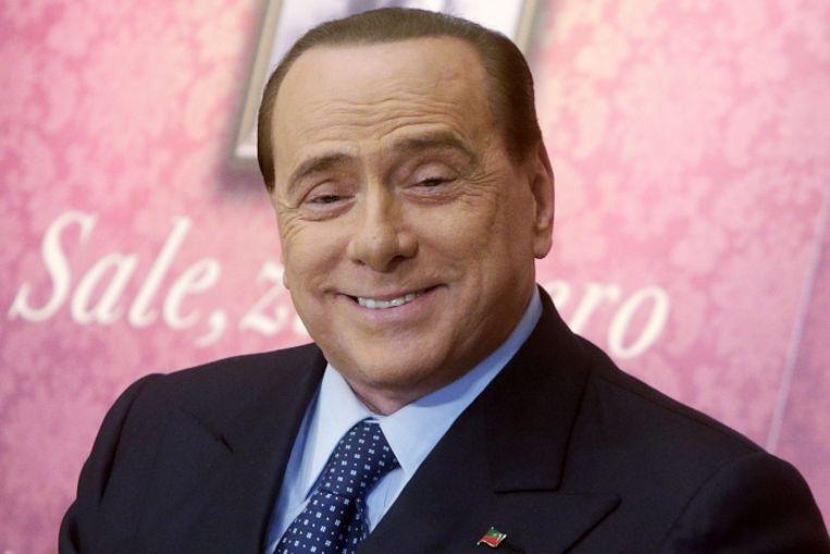 'Berlusconi blufte dat hij twintig jaar lang geen roman gelezen had. Wat alles zegt over zijn empathie, denkvermogen en sociale vaardigheden.' Beeld