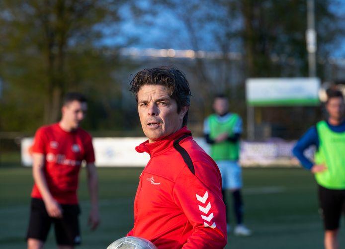 Dominik Vergoossen is tot het einde van dit seizoen nog trainer van SV Someren, daarna richt hij zich fulltime op Fortuna Sittard.
