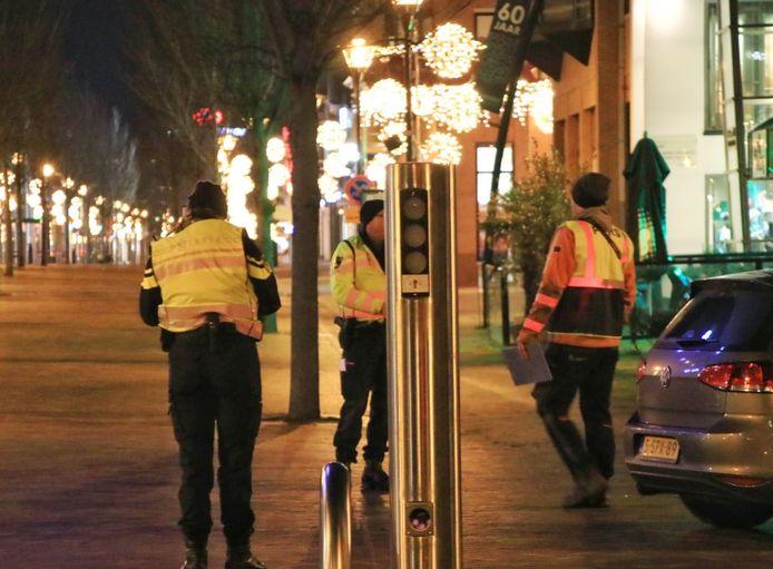 De politie aan het werk in Veenendaal.