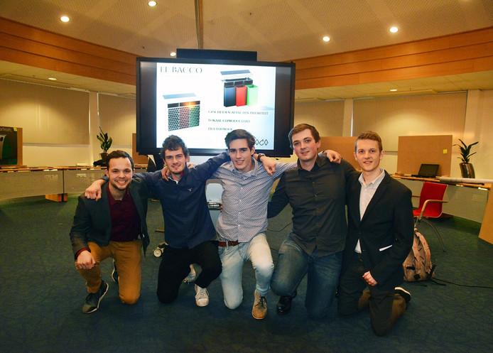 V.l.n.r. Yassine El Kadouri, Corné Lock, Felix Schelling, Christian van Dam en Luuk Vossebeld