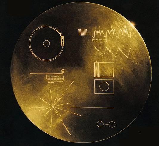 De 'Golden Record' die de NASA meestuurde met de Voyager-missie.