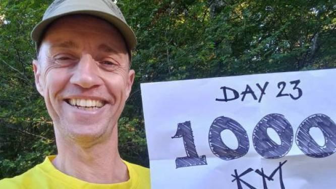 Nog 1000 kilometer lopen en Martijn (51) kan eindelijk zijn zieke moeder in Bilthoven (90) knuffelen