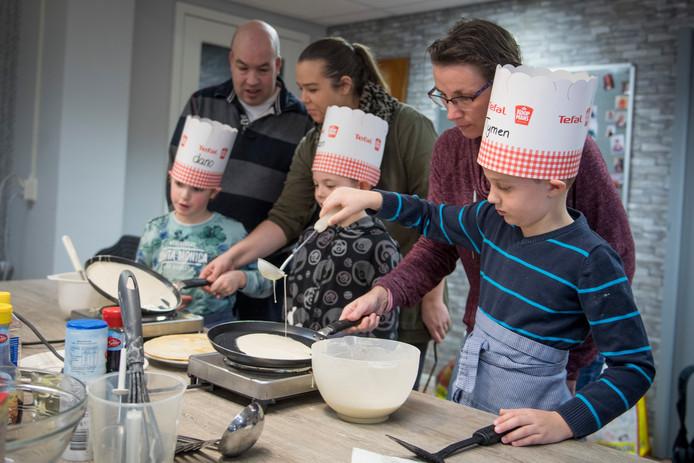 Leerlingen van basisschool De Peppel gaan vrijdagmiddag tijdens de lentefair van alles bakken.