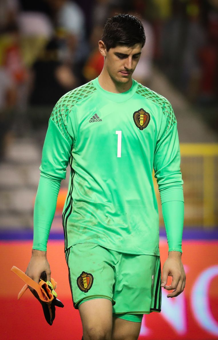 Belgium's goalkeeper Thibaut Courtois looks dejected during a friendly match between Belgian national soccer team Red Devils and Spain, on Thursday 01 September 2016, in Brussels. BELGA PHOTO VIRGINIE LEFOUR Beeld null