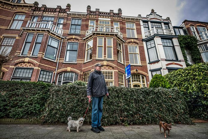 """""""Gevelisolatie is niet mogelijk bij deze oude huizen, want dit is beschermd stadsgezicht"""", vertelt Wim Kokxhoorn van het wijkinitiatief Aardgasblij."""