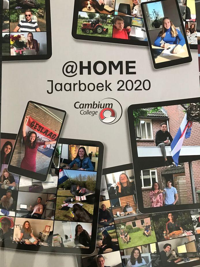 De cover van het jaarboek van het Cambium College. Vanwege de coronacrisis is het een bijzondere editie.