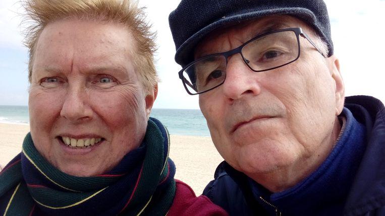 Marrie en Koos kunnen uit Duitsland weer naar hun kleinkinderen: 'Geef de economie een zetje, gun mensen met een prik wat meer.' Beeld