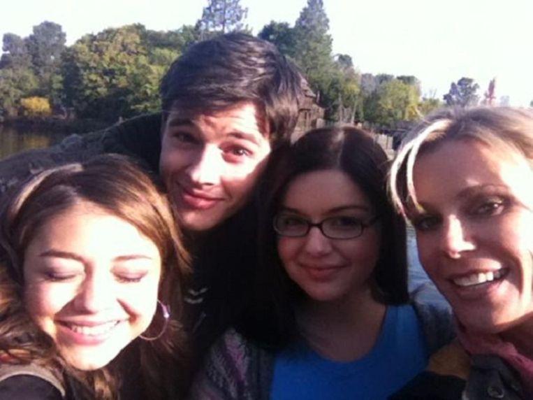 Sarah, Matt, Ariel en Julie. Beeld Julie Bowen/Twitter