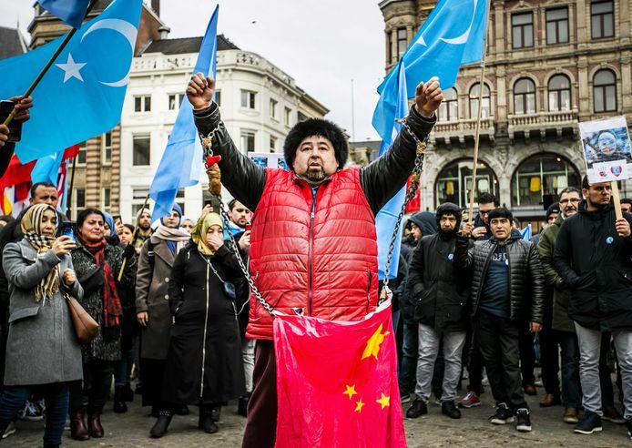 Oeigoeren en sympathisanten demonstreerden eind vorig jaar op de Dam tegen wat zij zien als de onderdrukking van de Oeigoeren in China door de regering van dat land