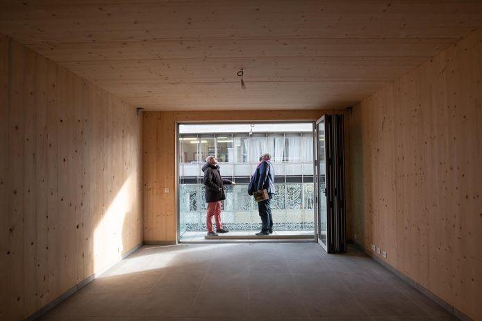 L'immeuble de dix étages est réalisé en bois, à quelques exceptions comme le sous-sol.