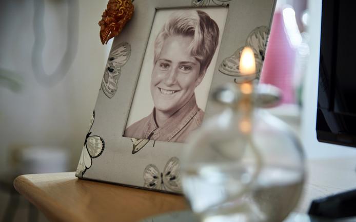 Brenda Vroombout, de 14-jarige dochter van Maassluizers Iem en Corrie Vroombout, die in 1992 bij de Faro-ramp om het leven kwam.