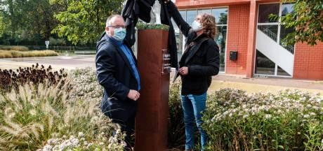 Vrijwilligers en 'coronahelden' geëerd met kunstwerk 'High Five'op Jef Van Hoofplein