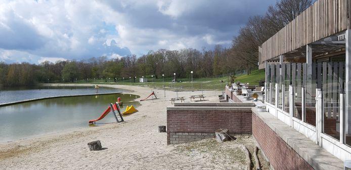 Het Strandbad Nuenen halverwege april 2021.
