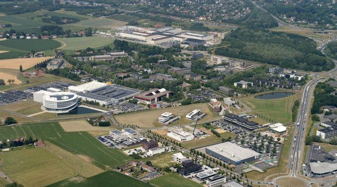 Het Beneluxpark en het Kennedypark op Hoog Kortrijk, waar je clusters van kantoren hebt