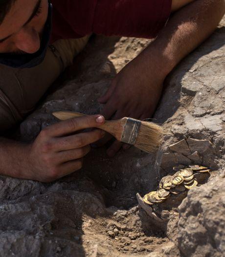 La Belgique restitue à l'Italie une ancienne et rare collection de 800 artéfacts archéologiques