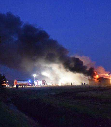 Serooskerkseweg weer open na uitslaande brand bij bouwkeet in Serooskerke
