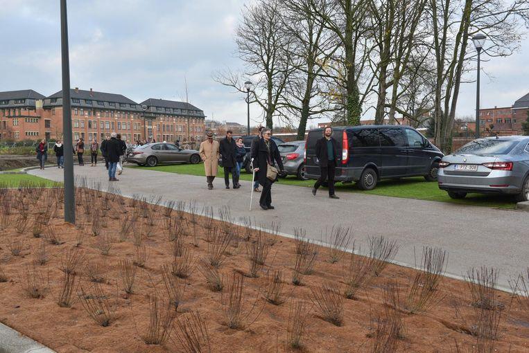 De nieuwe parking Familie is gisteren officieel geopend. Een deel van de parking zal gebruikt worden door het stadspersoneel.