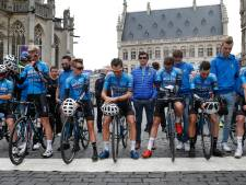 Indrukwekkend eerbetoon aan 'Goolie' voor start Brabantse Pijl