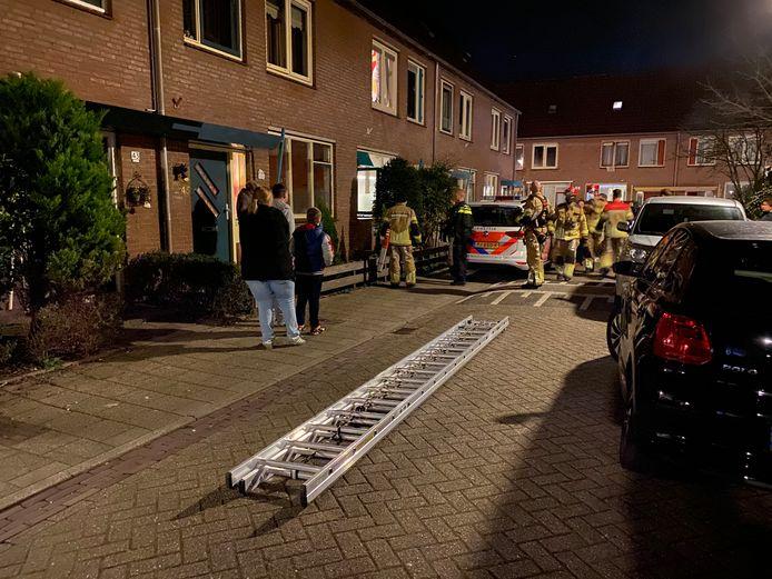 De brandweer is uitgerukt naar de Lunet in Deventer vanwege de beknelling.