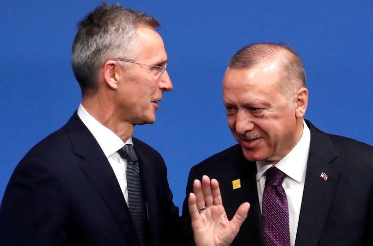 Secretaris-generaal van de Navo Stoltenberg met de Turkse president Erdogan, eind 2019 tijdens een Navo-top. Beeld REUTERS