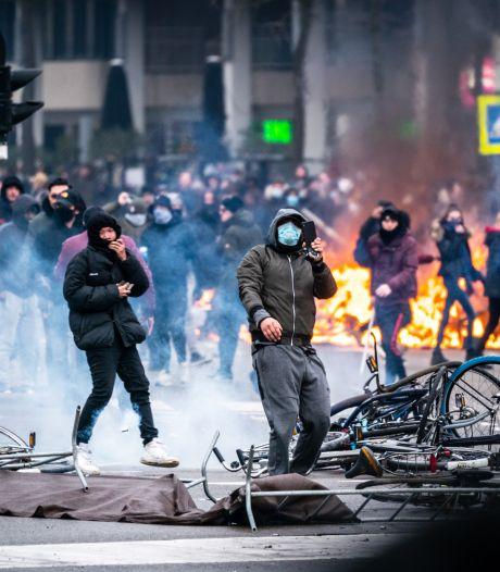 Weer twee relschoppers (13 en 20) Eindhoven melden zich bij politie en komen niet herkenbaar op tv