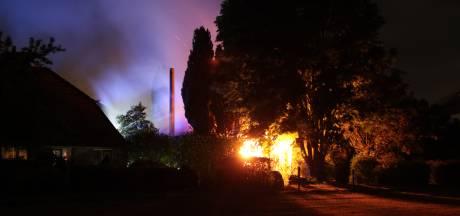 Woonboerderij gered bij schuurbrand op vakantiepark Ommen