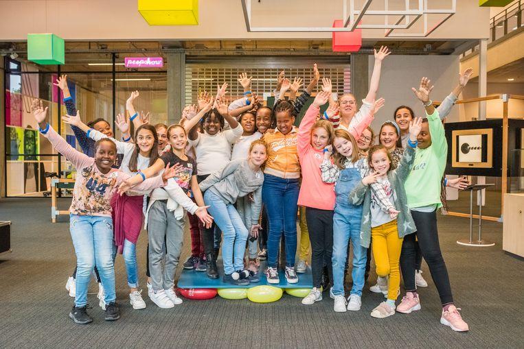 De groep meisjes van Kolva Sint Maarten uit Aalst