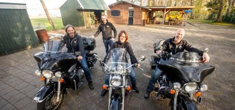 Toercommissie Hellendoornse motorclub: Achter elke bocht een nieuw avontuur
