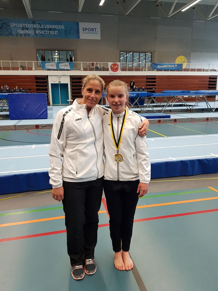Trainster Natalie De Neef en Sara Neyrinck.