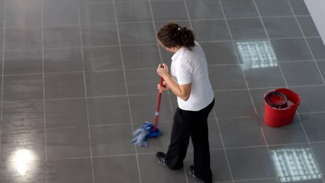 Huishoudhulpen klagen moeilijke werkomstandigheden aan bij Dermagne