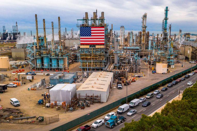 Een raffinaderij in Carson, Californië. (09/03/2020) Beeld AFP