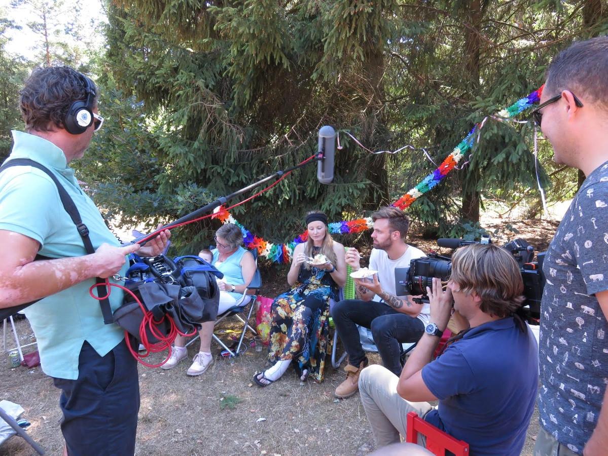 Opnames voor het programma Over mijn lijk tijdens de laatste verjaardag van Mirjam.