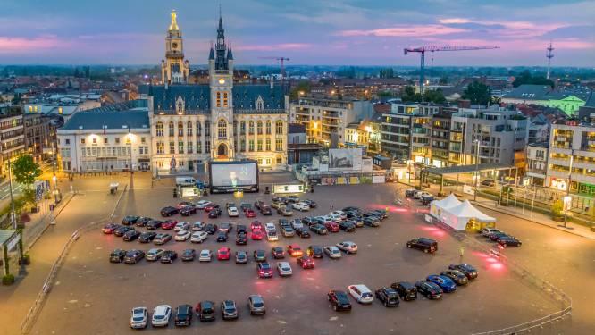 Openluchtcinema brengt jaren 80-sfeer naar parking Begonia