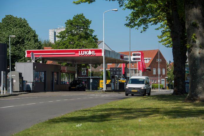 Het Lukoil-tankstation aan de Karel de Grotelaan in Eindhoven.