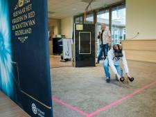Ermelose leerlingen zien prehistorie door VR-bril: 'Geen saaie rondleidingen, maar alle zintuigen prikkelen'